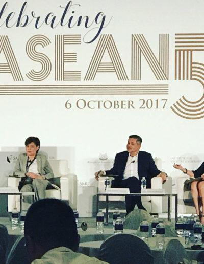 Eddie Razak speaking at Societal Leadership Summit on ASEAN 50 on 6 Nov 2017