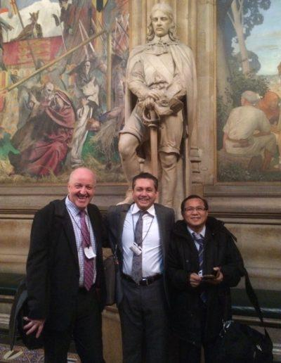 eddie-razak-with-andrew-muirhead-avpn-and-datuk-wee-beng-ee-kpwkm-in-london-nov-2014