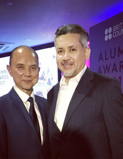 eddie-razak-with-datuk-jimmy-choo-at-british-alumni-awards-170316