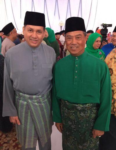eddie-razak-with-yb-tan-sri-muhyiddin-yassin-former-deputy-prime-minister